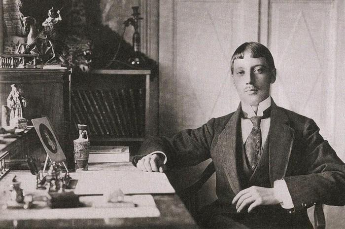 Николай Гумилев вПариже, 1907год. Источник: Википедия