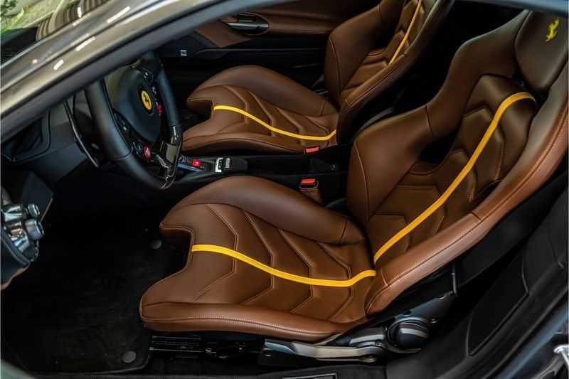 Ferrari 488 3.9 GTB HELE | Carbon | Passenger Display | Lifting | NP350.000,- afbeelding 20