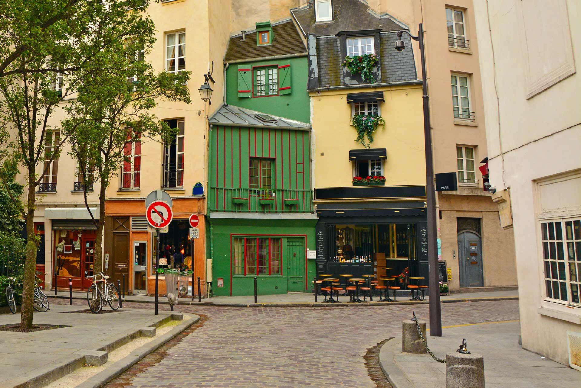 The Latin Quarter & Opera District