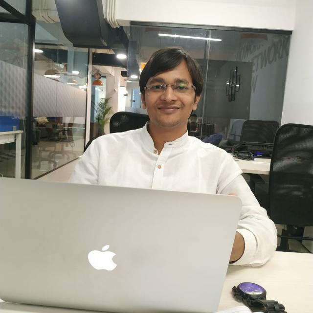 abhishek srivastava, founder, LabSmart