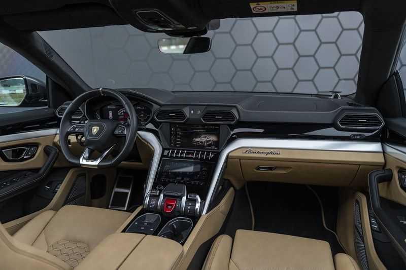 Lamborghini Urus 4.0 V8 Full Adas Package, Annima, Panorama, B&O 3D, ACC, Keramische Remmen, Seat Pack: Massage, Koeling, Verwarming, Stuurwielverwarming, Nachtzicht ass, Head-up, Homelink, afbeelding 3