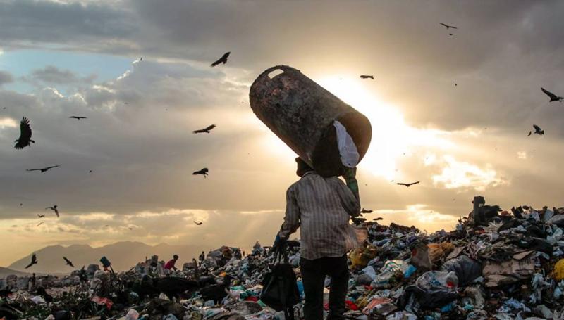 Imagem em destaque para o artigo: Conheça a Mineração Urbana: a riqueza  que sai do lixo