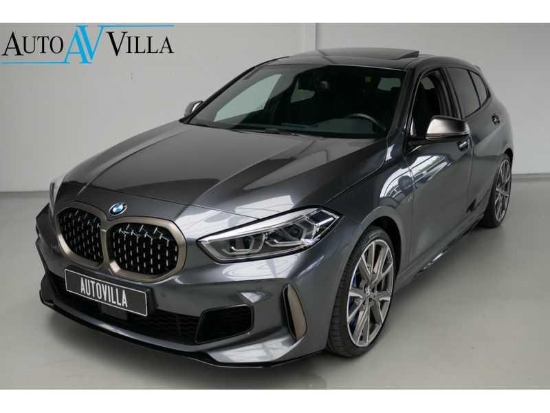 BMW 1 Serie M135i xDrive High Executive Virtual - Led - Panodak afbeelding 1