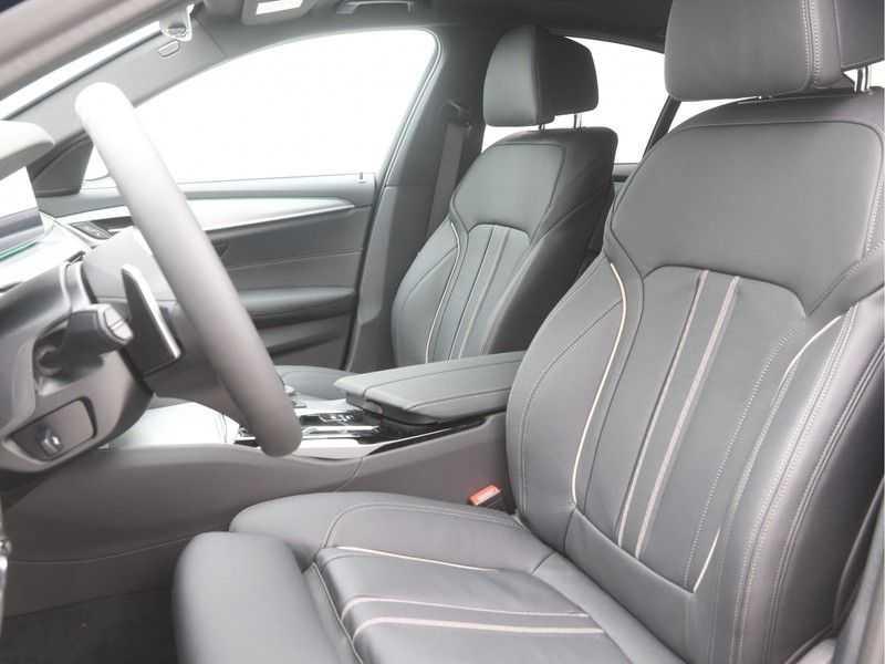BMW 5 Serie Sedan 530i High Executive M-Sport Automaat afbeelding 7