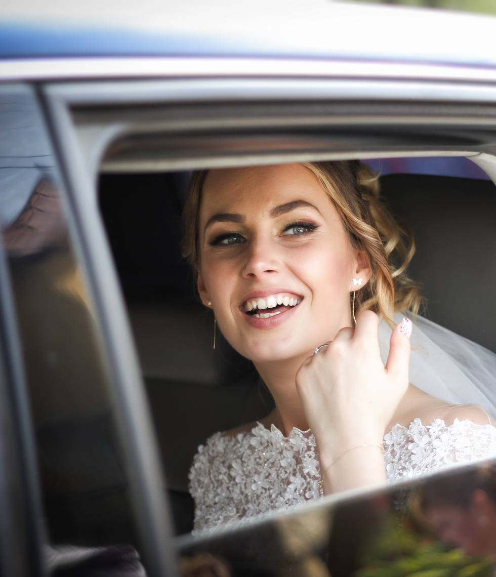 Wedding car hire with Chauffeur Me for bride.