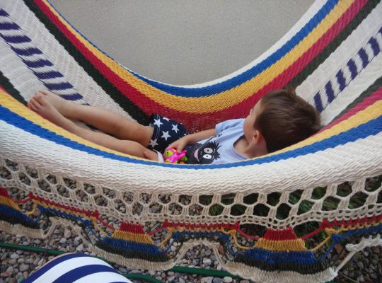 nino en hamaca nicaragua hecha a mano