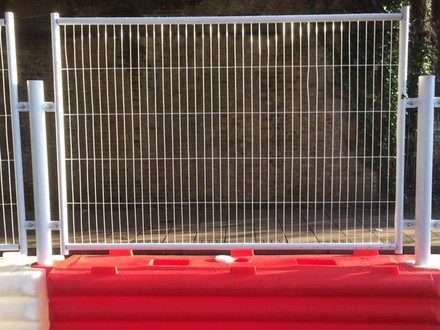 RB22 Mesh Panels