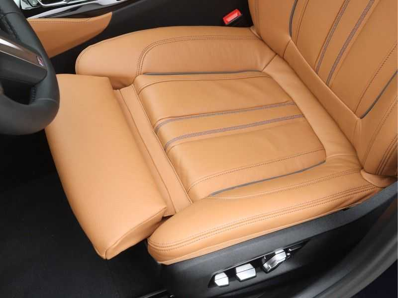 BMW 5 Serie Sedan 530i High Executive M-Sport Automaat afbeelding 15
