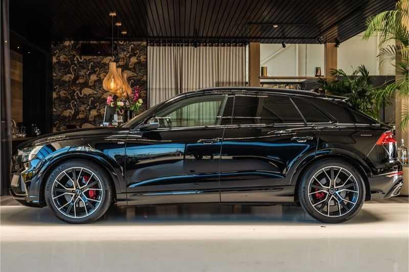 Audi Q8 55 TFSI quattro 3x S-line | PANO | 4 wielsturing | Tour | Trekhaak | Matrix LED | afbeelding 6