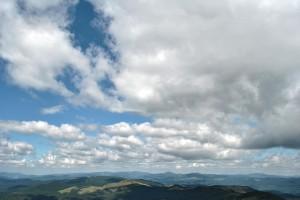 O fotografie din 2010 realizată în Munţii Buzăului, vârful Penteleu (1772m)