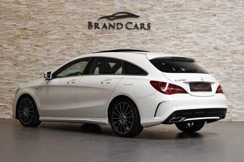 Mercedes-Benz CLA-Klasse Shooting Brake 180 PEAK Edition | Panoramadak | Achteruitrijcamera | AMG Pakket | Keyless | afbeelding 3