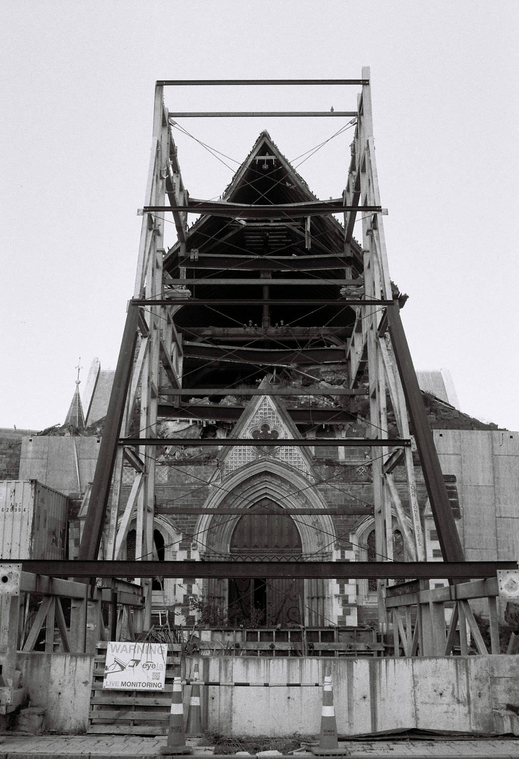 The Chrischurch Cathedral now in pieces after the earthquakes(black and white)