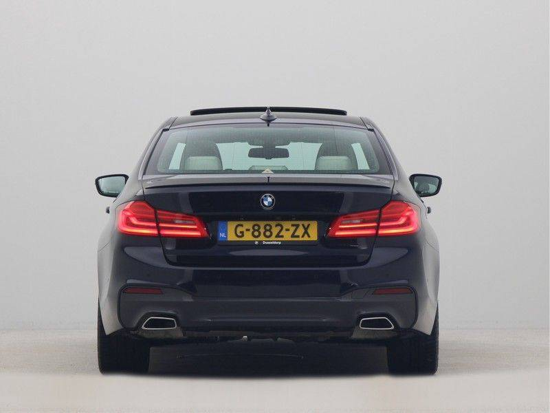 BMW 5 Serie Sedan 540i High Executive M-Sport Automaat afbeelding 10