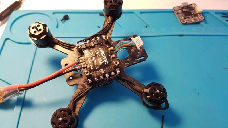 FPV Квадракоптер - полётный контроллер