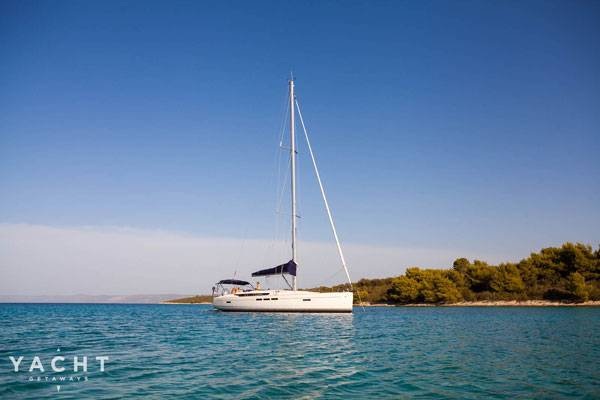 Get further afield with bespoke Greek island sailing holidays