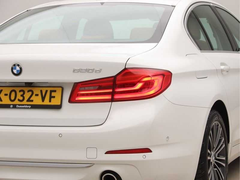 BMW 5 Serie 520d Luxury Line High Executive afbeelding 23