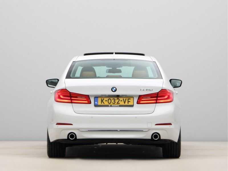 BMW 5 Serie 520d Luxury Line High Executive afbeelding 11