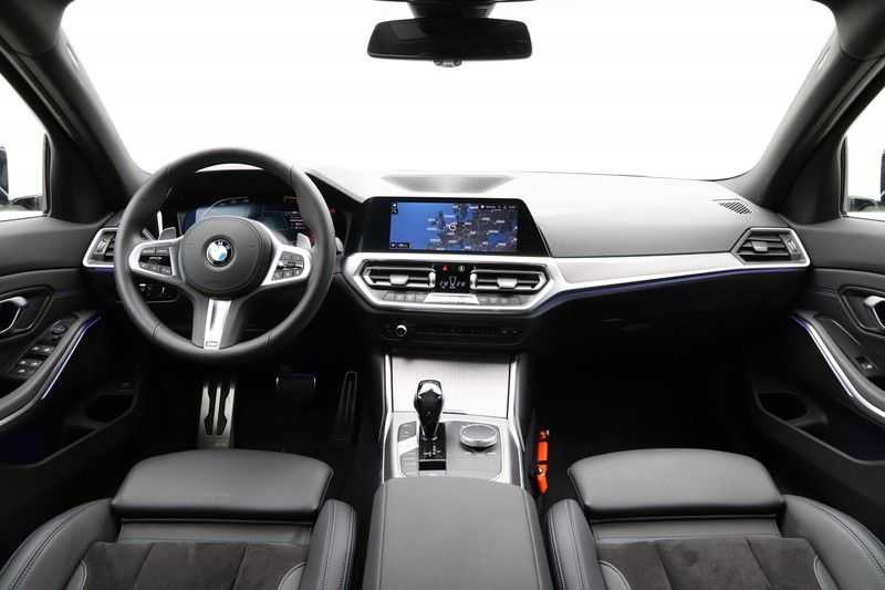 BMW 3 Serie Touring 320i Executive M Sport Aut. afbeelding 12