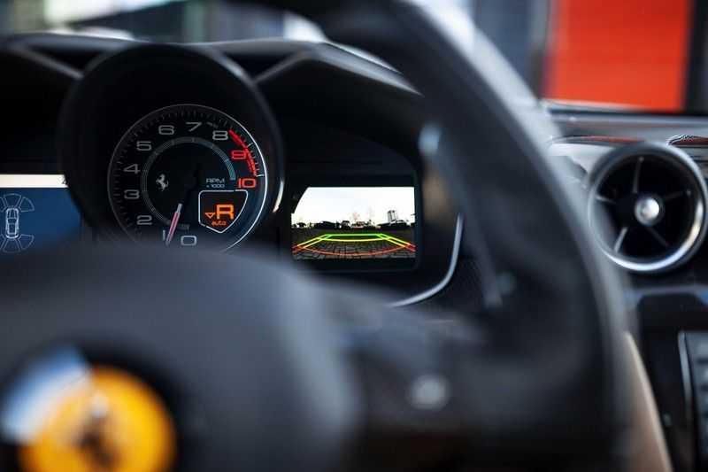 "Ferrari FF 6.3 V12 HELE *Collector Car / Passenger Display / 20"" / Carbon / Memory* afbeelding 9"