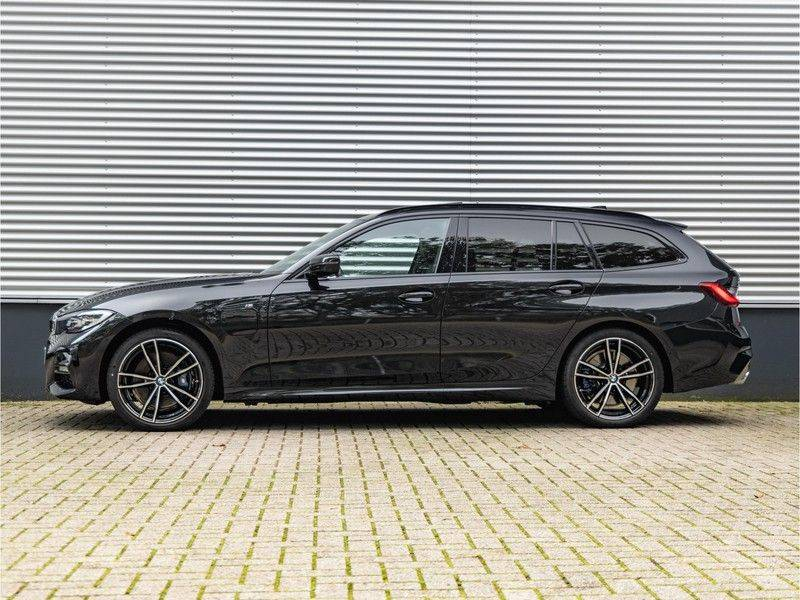 BMW 3 Serie Touring 330e xDrive M-Sport - Panorama - Harman Kardon - Active Cruise afbeelding 7