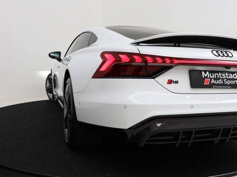 Audi e-tron GT RS   Stoelventilatie/Massage   Head-Up   Carbon   Matrix LED   360 Camera   Nachtzicht   afbeelding 12