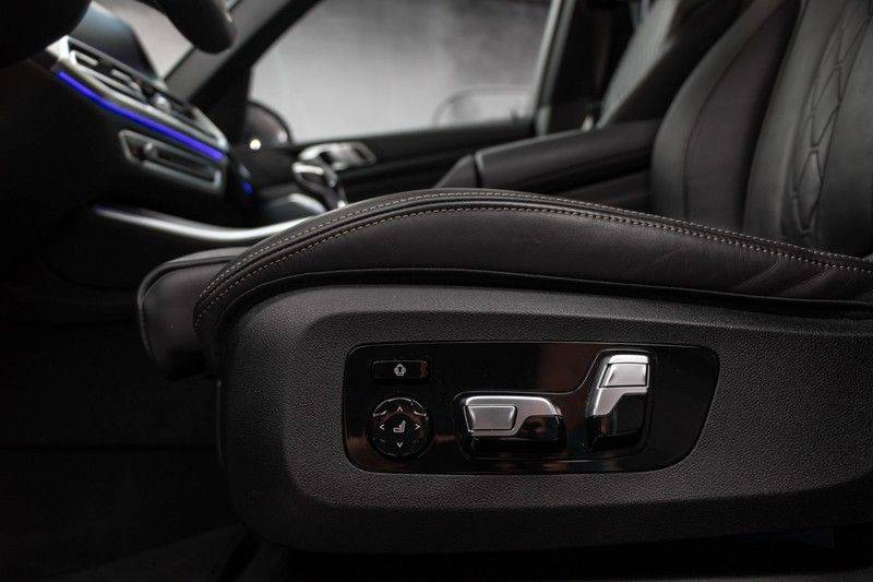"BMW X5 M40i xDrive 340pk Panoramadak VirtualCockpit ShadowLine Sportleder+Memory Head-Up Hifi Luchtvering ACC Laserlicht AmbientLight Keyless Sportuitlaat 22"" 360Camera ParkAssist Pdc afbeelding 5"
