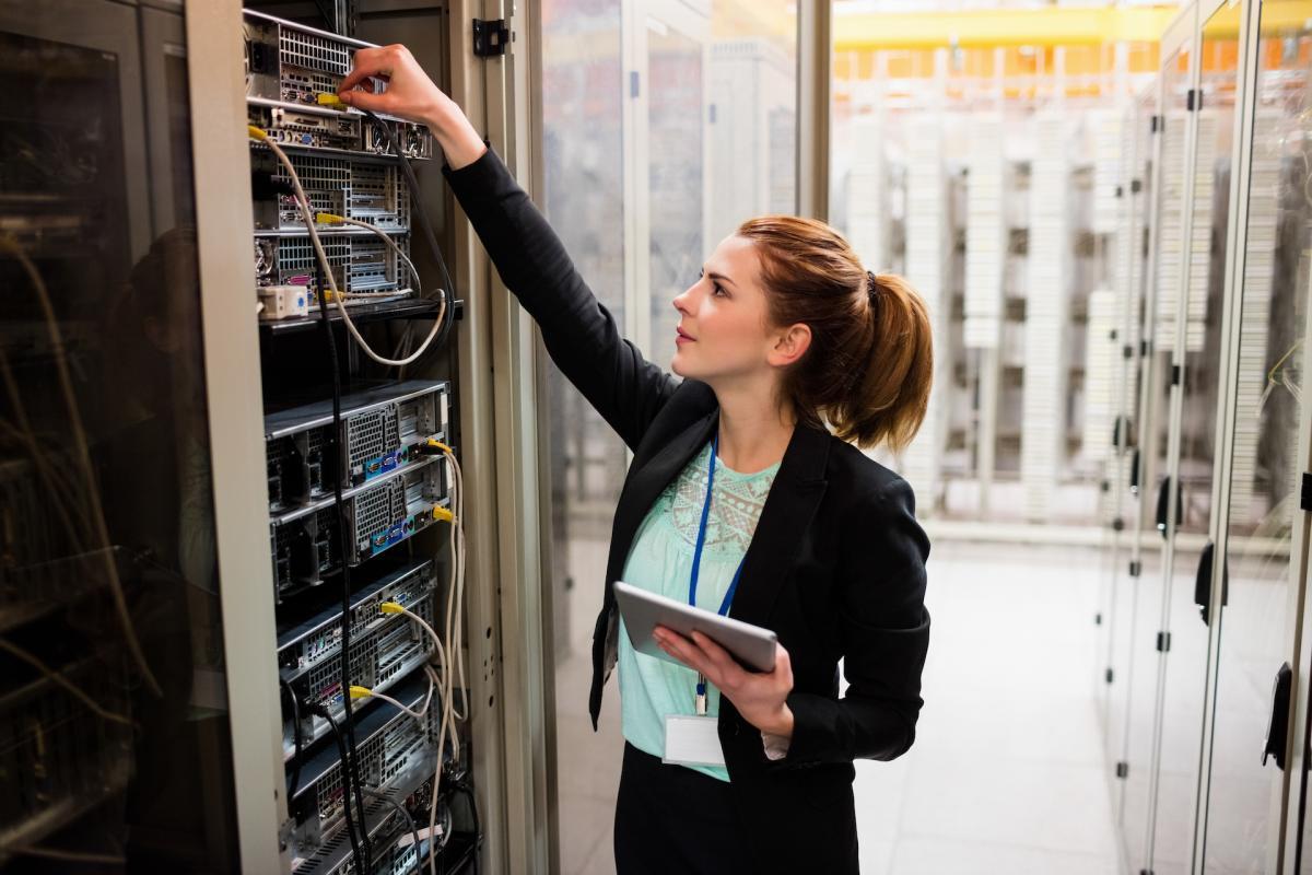 滚球体育比滚球体育比分直播Accruent - 365bet体育在线滚球首页Resources -白皮书- Making the Business Case for a Cloud Maintenance Management System - Hero