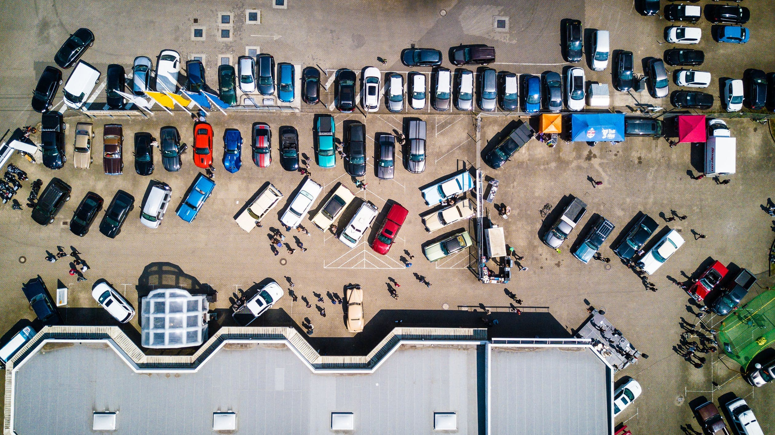 Aerial view of a chaotic parking lot