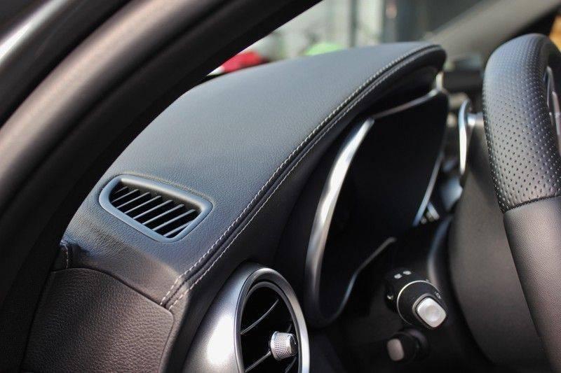 Mercedes-Benz C-Klasse C63 AMG 4.0 V8 Estate 476pk! **360°Camera/Burmester/Spoorassistent** afbeelding 16