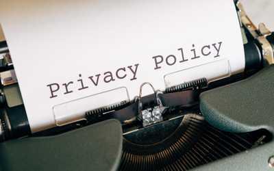 """Um Missverständnisse aus dem Weg zu Räumen - und natürlich auch zu Ihrer Unterhaltung -, berichten wir an dieser Stelle unseres Newsletters von den DSGVO-Kuriositäten, die angeblich """"wegen Datenschutzes"""" passieren."""