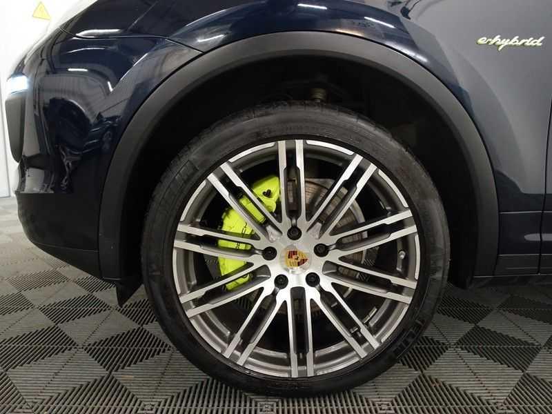 Porsche Cayenne 3.0 S E-Hybrid Sport Chrono 334pk Autom- Panodak, Bose, Leer, Camera, Navi afbeelding 25