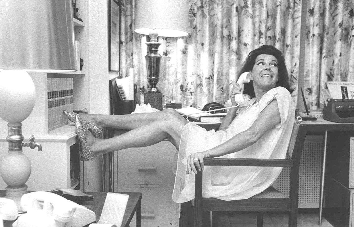 Жаклин Сьюзанн вееофисе, позирует для специального выпуска журнала Life. Фото: Life magazine/Grove Atlantic