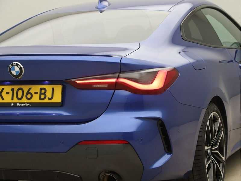 BMW 4 Serie Coupé 430i High Exe M-Sport Aut. afbeelding 23