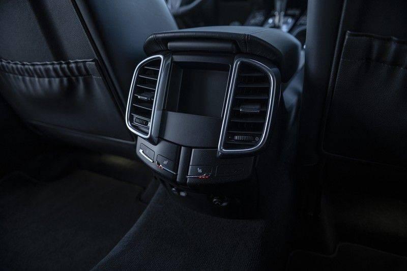 Porsche Cayenne 3.0 D Platinum Edition Org. Ned. + Dealer onderhouden + Sportchrono + Stuur/ Stoel verwarming+ Stoel koeling + Bose afbeelding 18