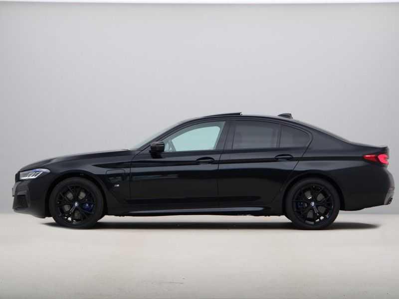 BMW 5 Serie 520e Sedan High Exe M-Sport Hybrid afbeelding 10