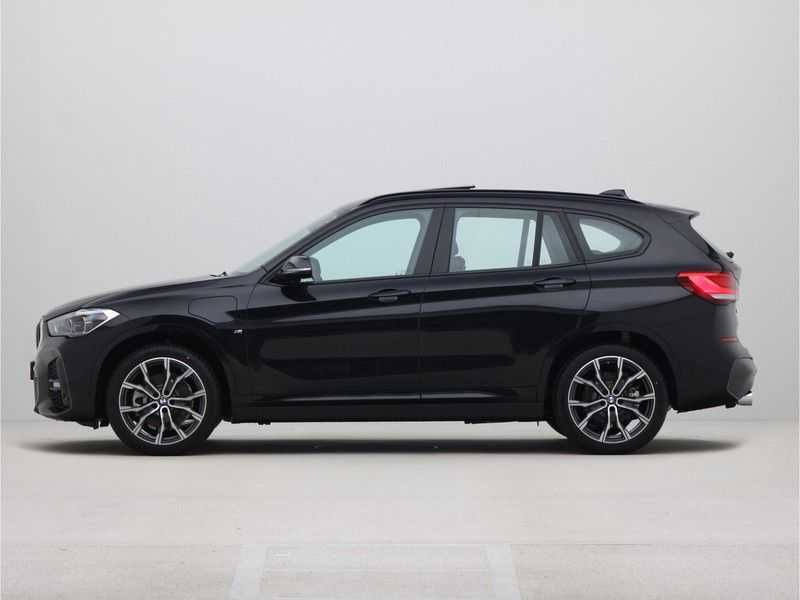 BMW X1 xDrive25e High Executive M-Sport Automaat afbeelding 12