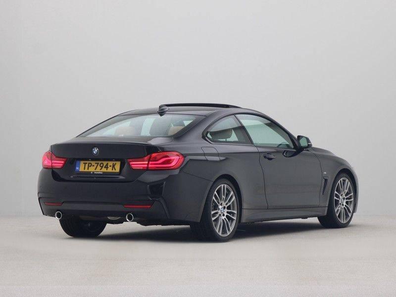 BMW 4 Serie Coupé 440i High Executive M-Sport afbeelding 9