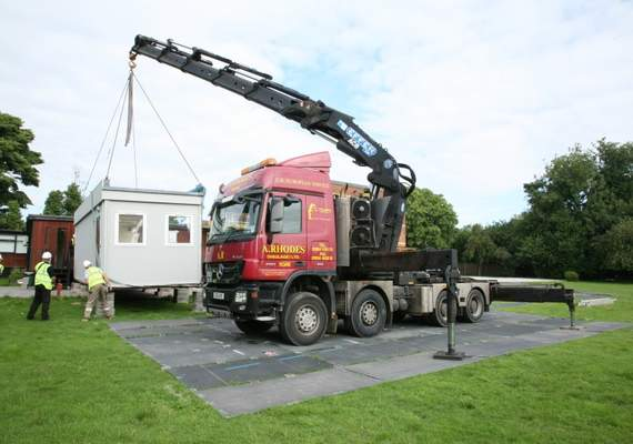 MultiTrack crane