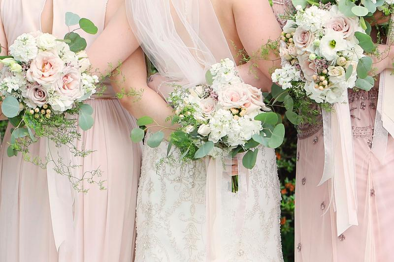 Bloom-large-wedding-bouquet