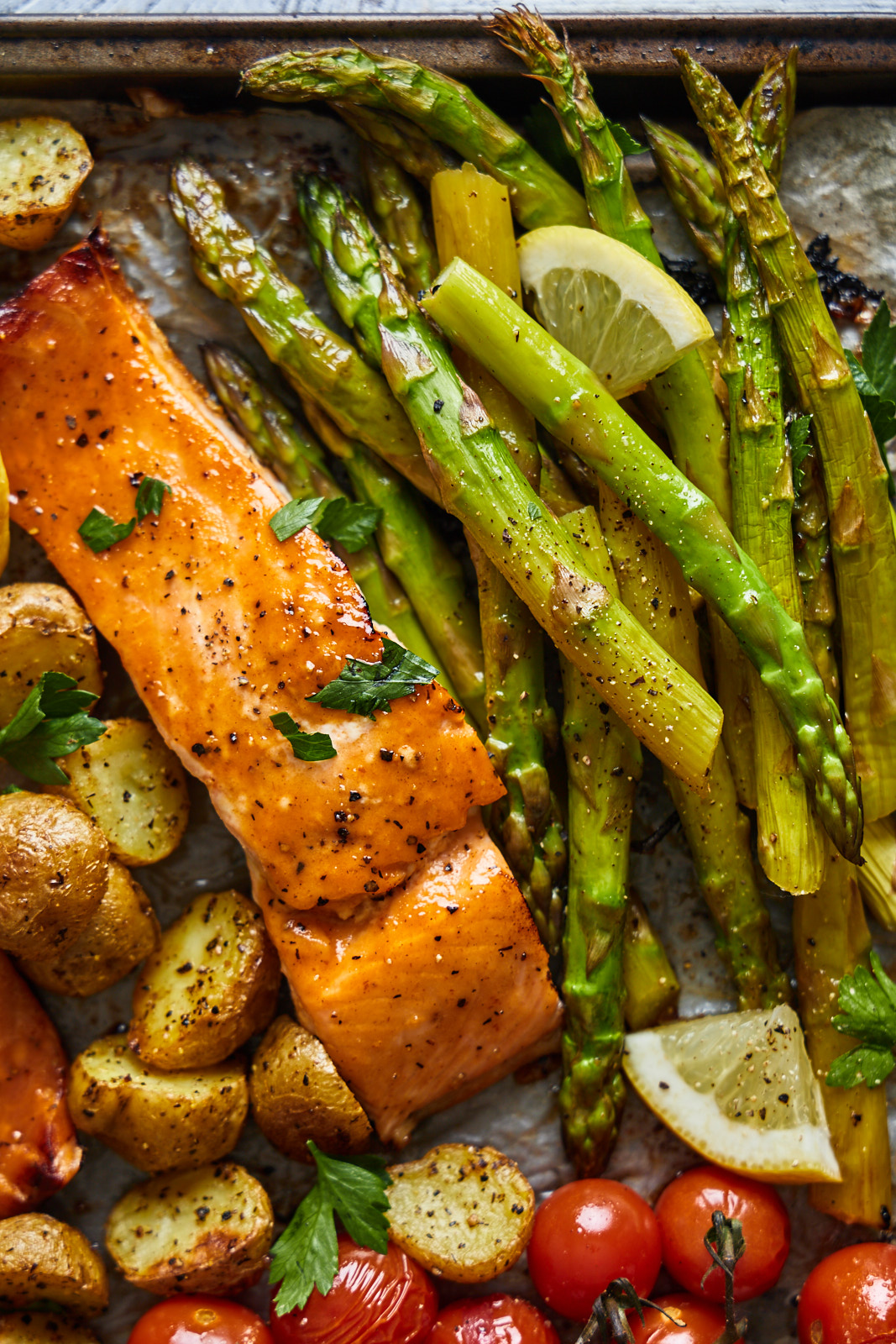 Sheetpan Salmon and Potatoes With Veggies