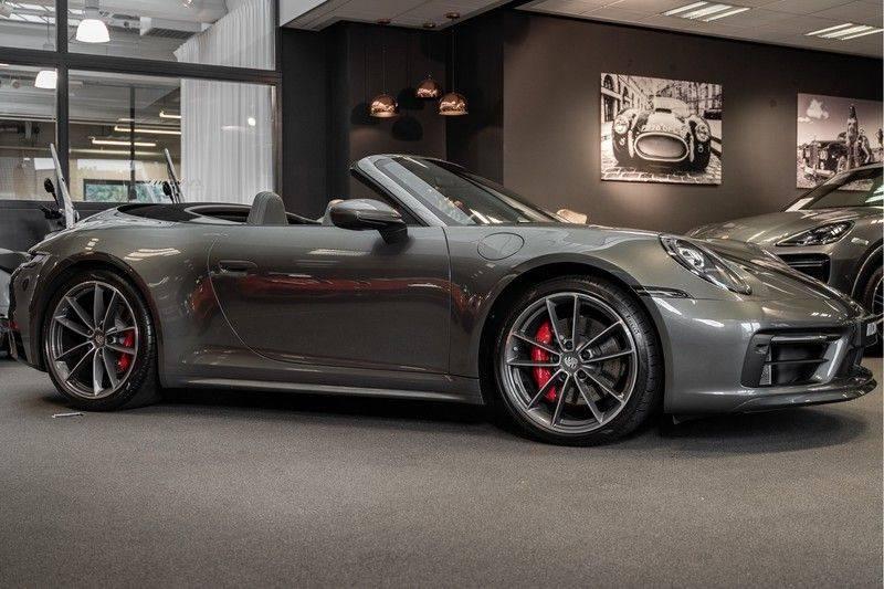 Porsche 911 992 4S Cabrio Unieke Kleurstelling Sport Design Pakket Matrix Carbon 3.0 Carrera 4 S afbeelding 2