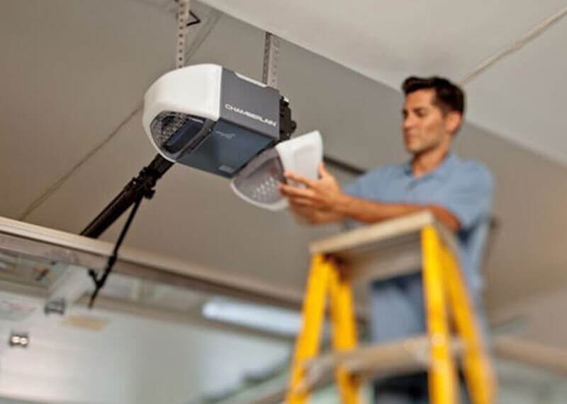 Don't let a simple garage door repair problem turn into a more complex or costly issue. Prevent garage door repair problems before they start with a garage door tune-up.