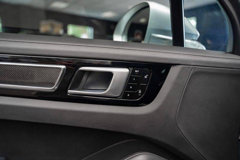 Porsche Cayenne Turbo Pano Bose Keyless Adaptive Cruise Control afbeelding 11