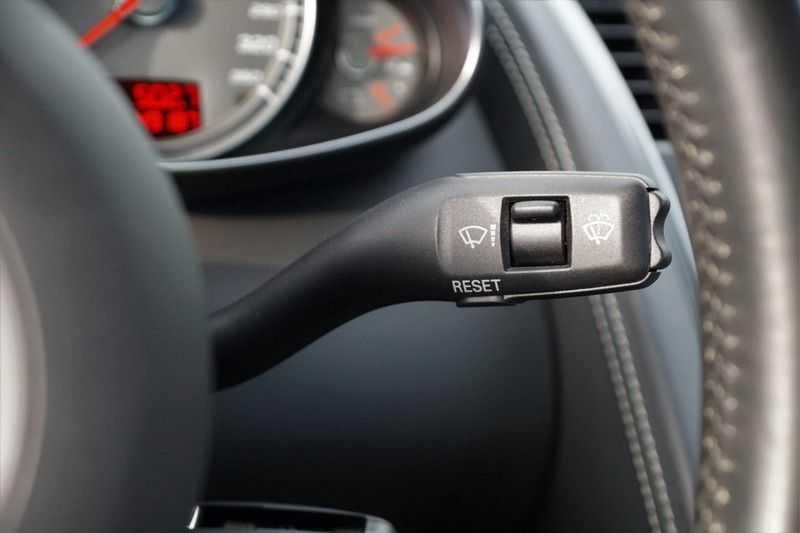Audi R8 4.2 V8 FSI / 49dkm NAP / 1e eigenaar / B&O / R-Tronic / Orgineel Nederlands! / Navigatie afbeelding 14