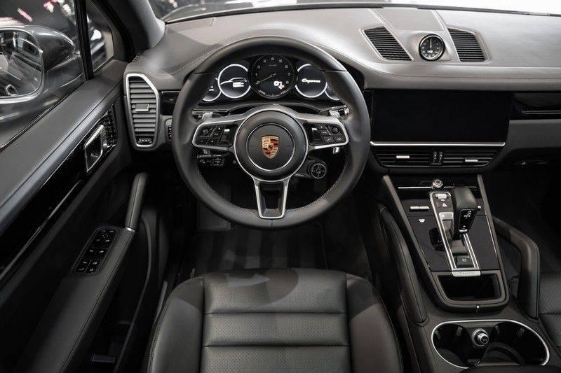Porsche Cayenne E-Hybrid Sport Design Pakket 22 Turbo Softclose Pano Luchtvering 3.0 E-Hybrid afbeelding 14
