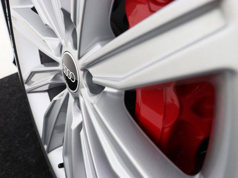 Audi A6 Avant 55 TFSI e 367 pk quattro Competition   Panoramadak   Assistentiepakket Tour/City   B&O   Comfortstoelen met massage/ventilatie   Keyless Entry   Verlengde fabrieksgarantie   afbeelding 15