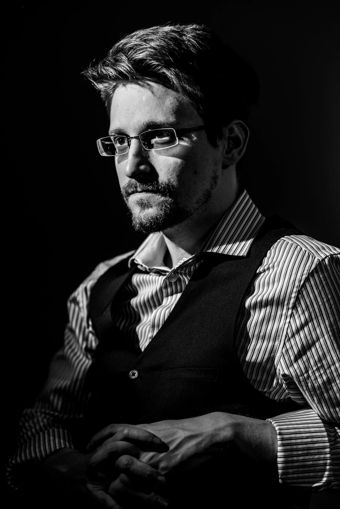 Permanent records - Edward Snowden