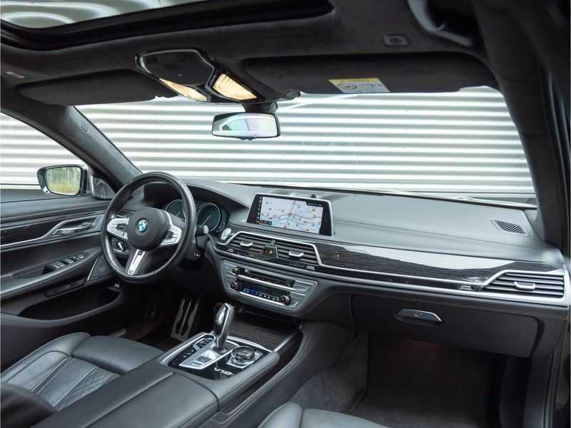 BMW 7 Serie M760Li xDrive - Bowers & Wilkins Audio - Night Vision - Entertainment Professional afbeelding 2