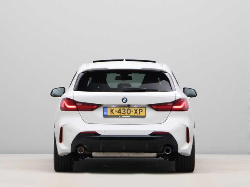 BMW 1 Serie 128ti High Exe Aut. 266 pk afbeelding 9