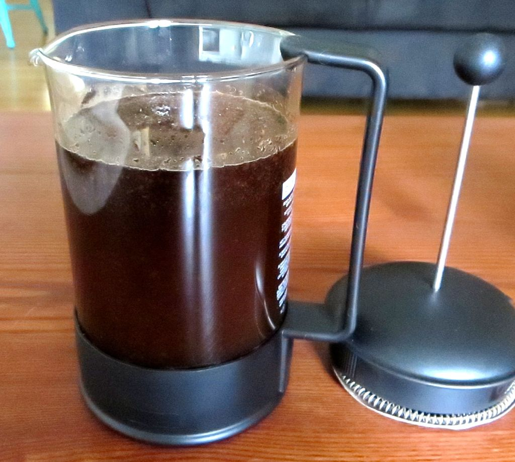 making cold brew coffee